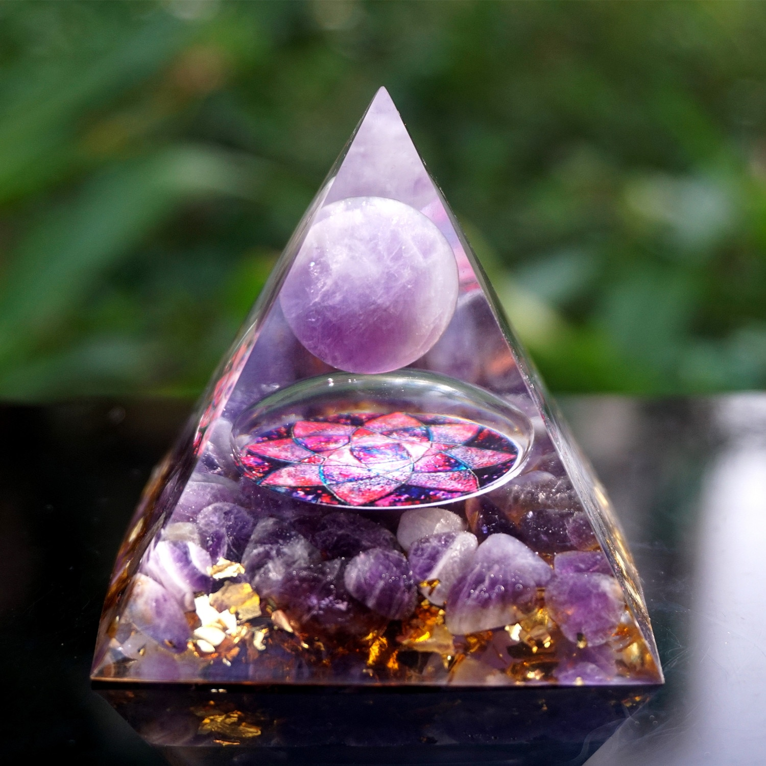 Handmade Orgonite Pyramid 60mm Amethyst Crystal Sphere With Amethyst Natural Cristal Stone Orgone Energy Healing Orgone